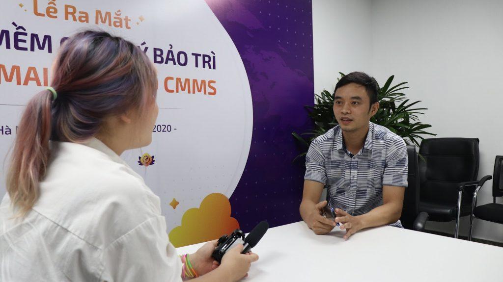 Giám đốc sản phẩm Nguyễn Đăng Cường trả lời phỏng vấn báo chí