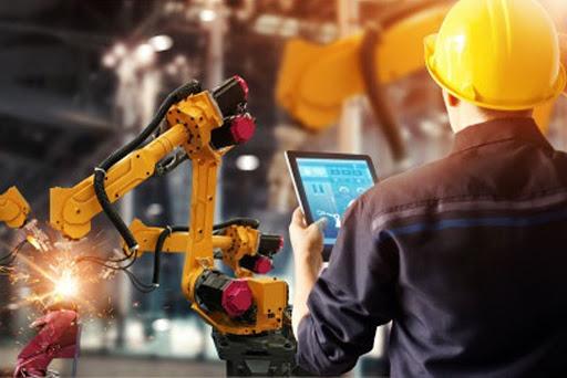 """Khoa học công nghệ phát triển - chất """"xúc tác"""" chuyển đổi số ngành sản xuất"""