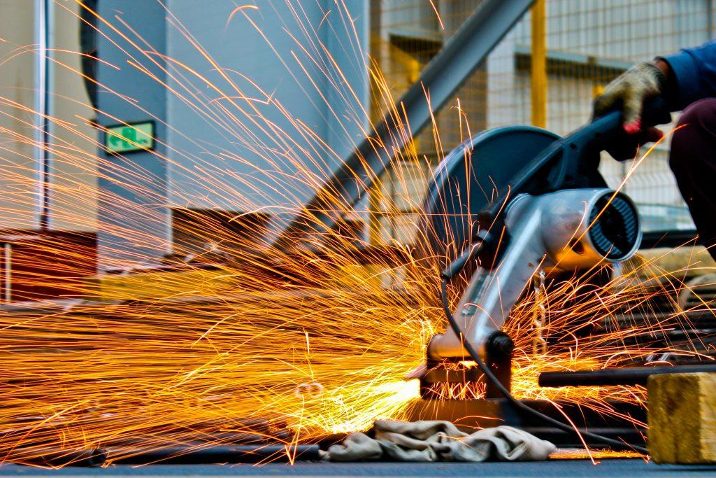 Quản lý nhà thầu dự án doanh nghiệp xây dựng